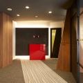 内装デザインが活きるオフィスのエントランス空間